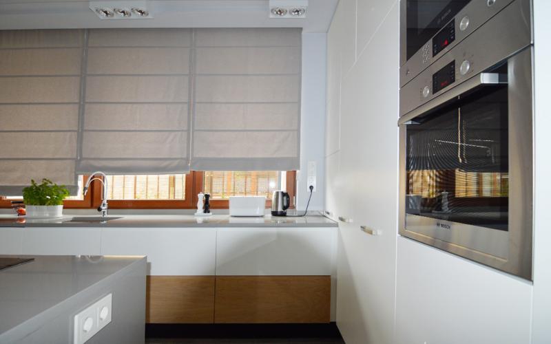 Osłona okna w kuchni